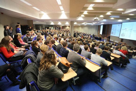 Juliaus Kalinsko/15min.lt nuotr./Nobelio premijos laureatas Robertas Shilleris Vilniuje skaitė paskaitą