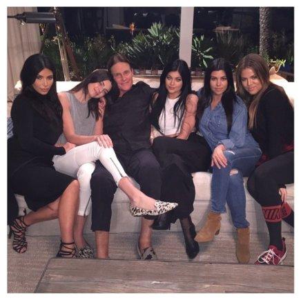 """Instagram"" nuotr./Kim Kardashian, Kendall Jenner, Bruce'as Jenneris, Kylie Jenner, Kourtney Kardashian ir Khloe Kardashian"