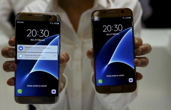"""""""Reuters""""/""""Scanpix"""" nuotr./""""Samsung"""" pristatė """"Galaxy S7"""" ir """"Galaxy S7 Edge"""" telefonus"""