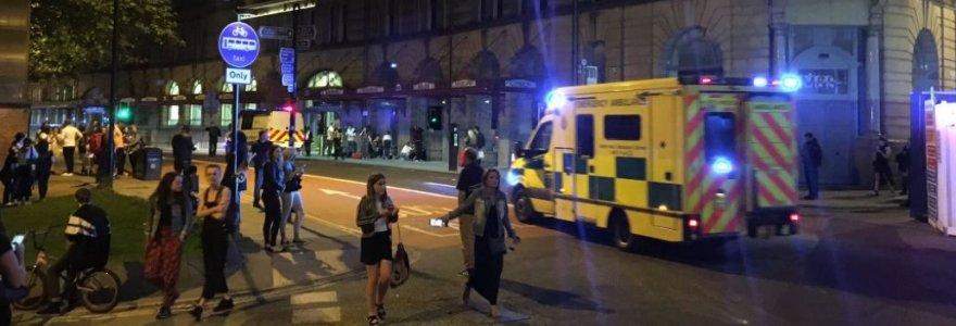 Sujudimas Mančesteryje: liudininkai pranešė apie sprogimus per Arianos Grande koncertą