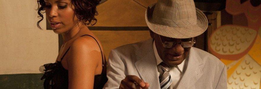 """Filme """"7 dienos Havanoje"""" – būrys kino žvaigždžių ir Emiro Kusturicos naktiniai nuotykiai"""