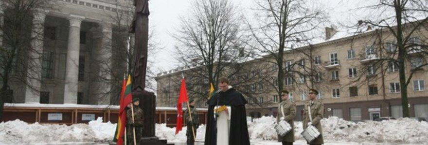 Vilniuje atidengus paminklą Kovo 11-ajai, pasigesta paminklo laisvės kovotojams (nuotraukos)