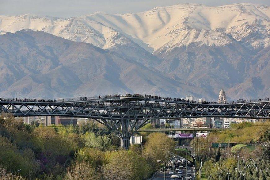 Pėsčiųjų tiltas Teherane, Irane