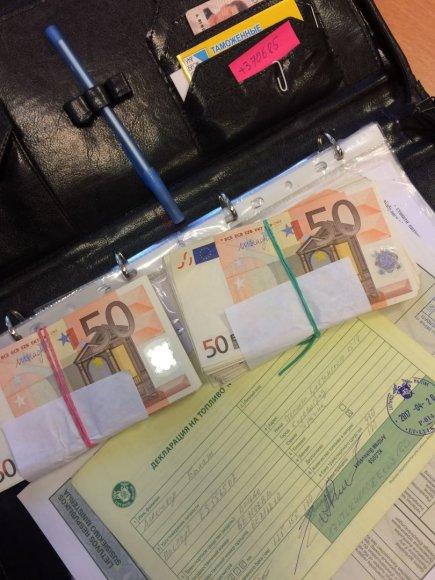 Į Lietuvą bandyta įvežti nedeklaruotų grynųjų pinigų.