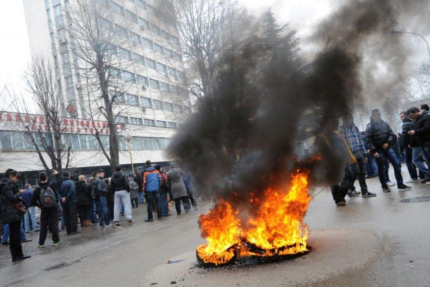Protestas prie Tuzlos miesto savivaldybės Bosnijoje