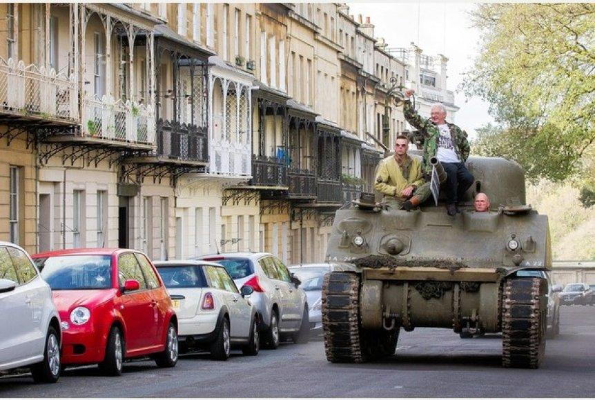 "Tankas ""Sherman"" Bristolio gatvėje"