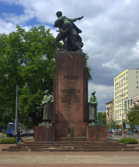 Paminklas Varšuvoje sovietinės kariuomenės kariams