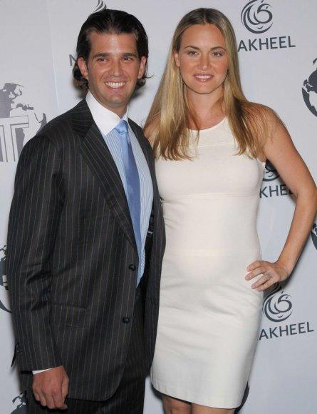 Donaldas Trumpas jaunesnysis su žmona Vanessa
