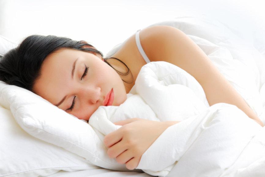 Kaip išlikti žvaliam miegant mažai