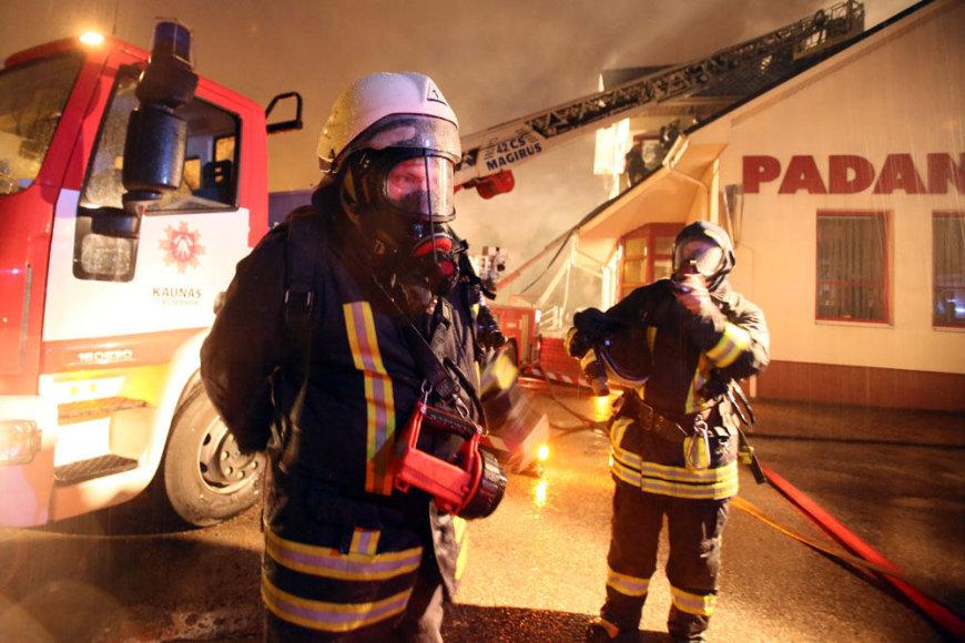 Padangų parduotuvės gaisras