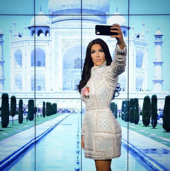 Vaškinė Kim Kardashian figūra