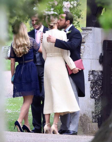 Vida Press nuotr./Jamesas Middletonas ir Donna Air per Pippos Middleton vestuves
