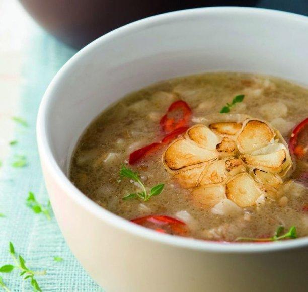 Močiutės česnakų sriuba
