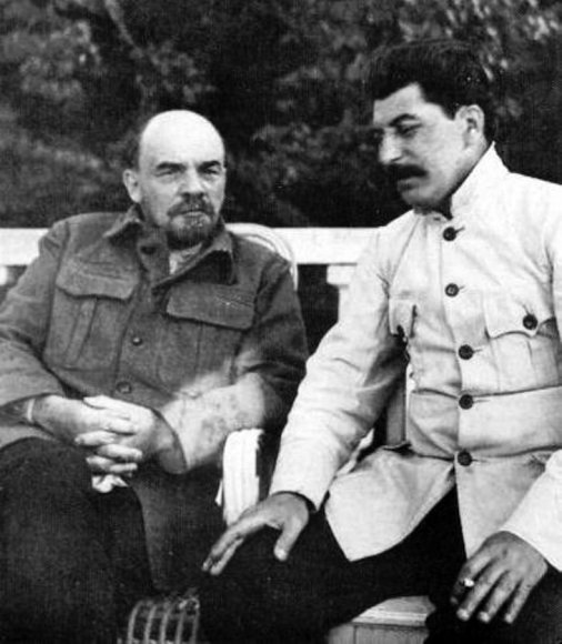 Wikipedia.org nuotr./Vladimiras Leninas ir Josifas Stalinas (1922 m.)