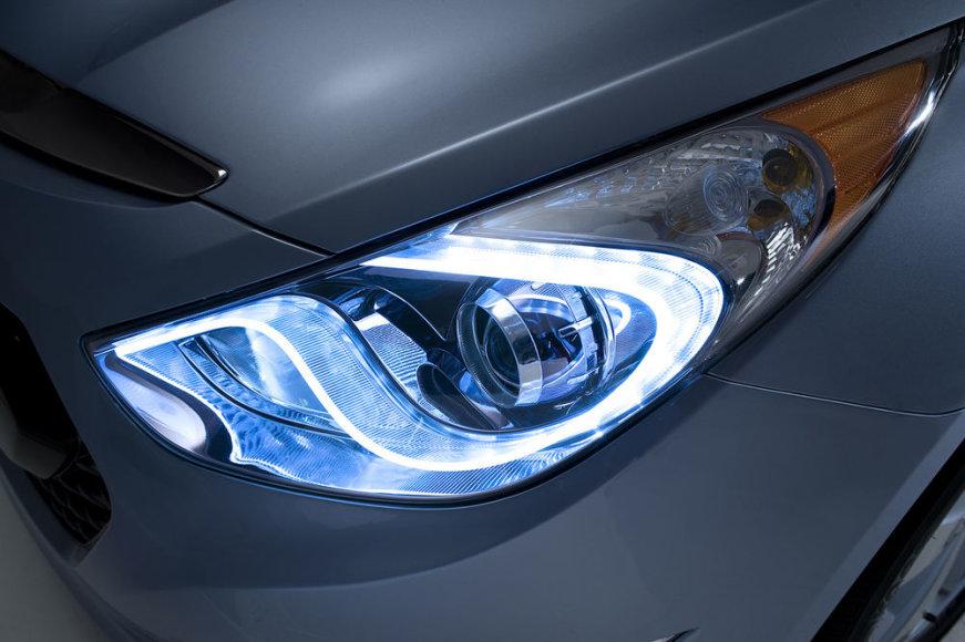 """""""Hyundai"""" LED žibintas"""