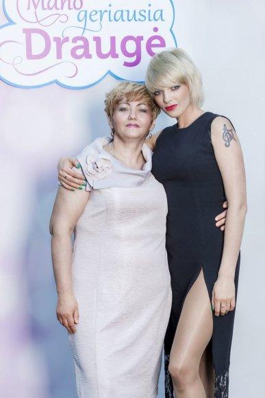 Regina ir Anžela Adomovič