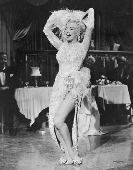 "Vida Press nuotr./Marilyn Monroe filme ""There s No Business Like Show Business"" (1954 m.)"