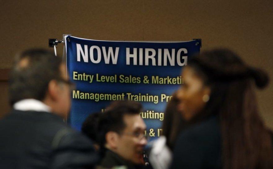 Kai kurių profesijų atstovams rasti darbą nesudėtinga net ir krizės metu.
