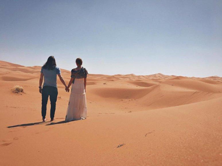 Sauliaus Baradinsko nuotr./Beata Tiškevič ir Saulius Baradinskas Sacharos dykumoje