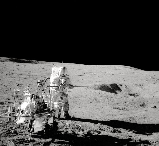 Alanas Shepardas Mėnulyje