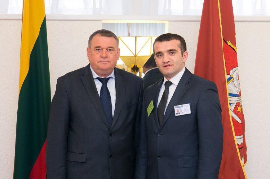 Žmogaus teisių komiteto pirmininkas Leonardas Talmontas susitiko su Azerbaidžano demokratijos ir žmogaus teisių instituto direktoriumi Achmedu Šachidovu
