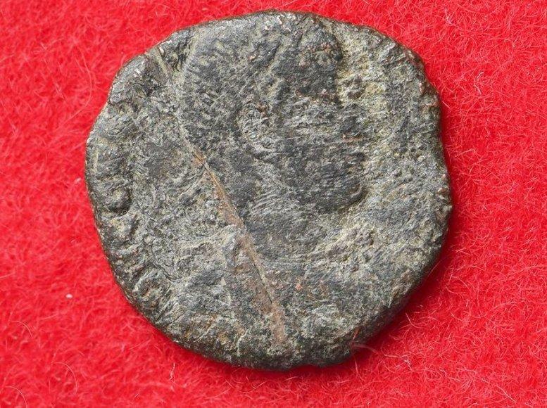 Kaip romėniškos monetos atsidūrė kitoje pasaulio pusėje, Japonijos viduramžių pilyje Okinavos saloje?
