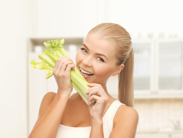 Salieruose esantis vitaminas K palaiko gerą kraujo cirkuliaciją ir padeda mažinti kraujo spaudimą.
