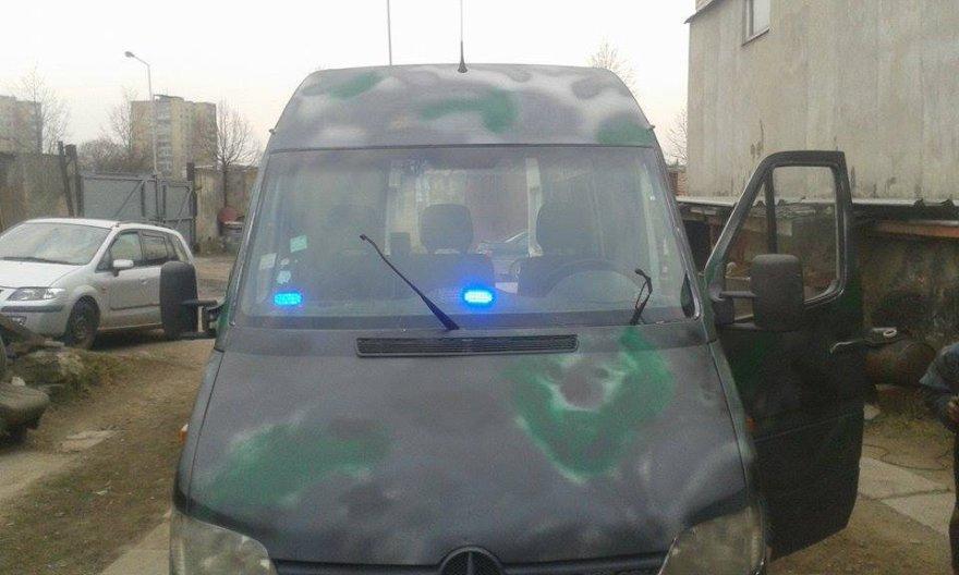Kauniečiai Ukrainos kariams nuveš mikroautobusą