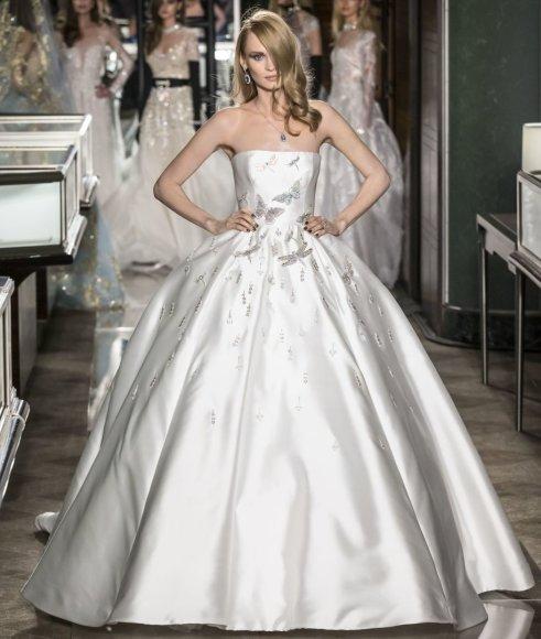 """""""Reem Acra"""" vestuvinė suknelė, kainuojanti 1,5 mln. eurų"""