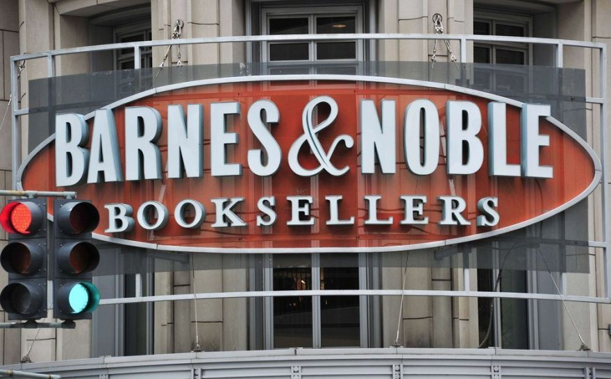 """Barnes & Noble"""