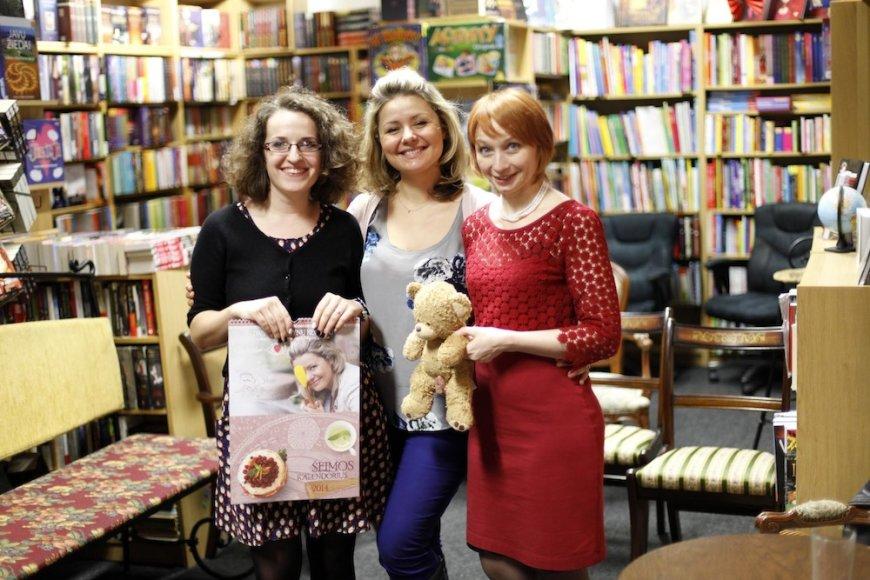 Lina Garnytė (dešinėje) su pagalbininke Simona (kairėje) ir Beata Nicholson