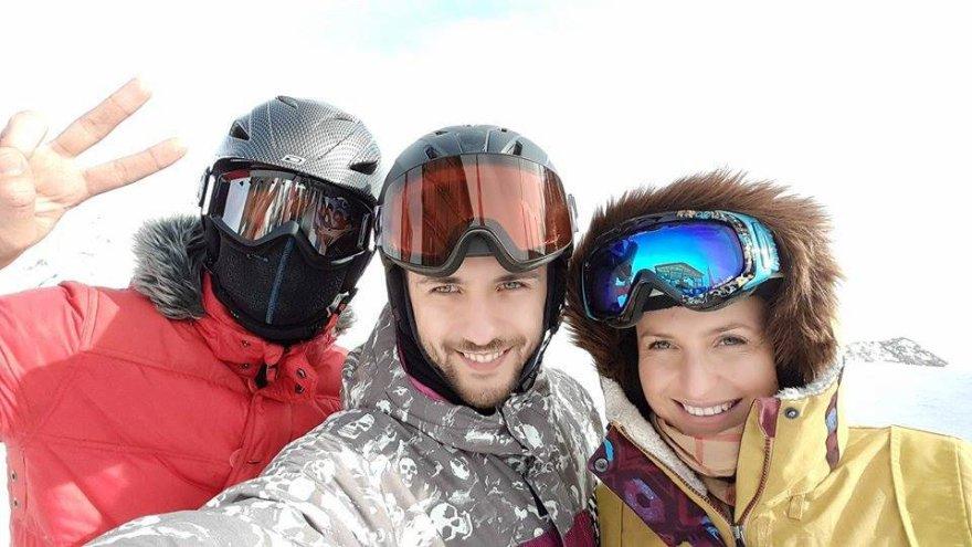 Vytautas Mackonis su žmona ir bičiuliu