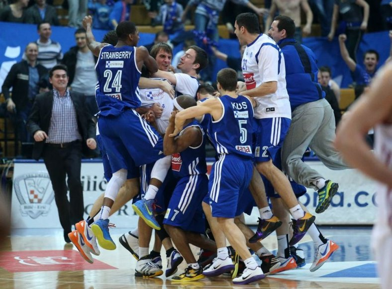 """""""Cibona"""" krepšininkų triumfas."""