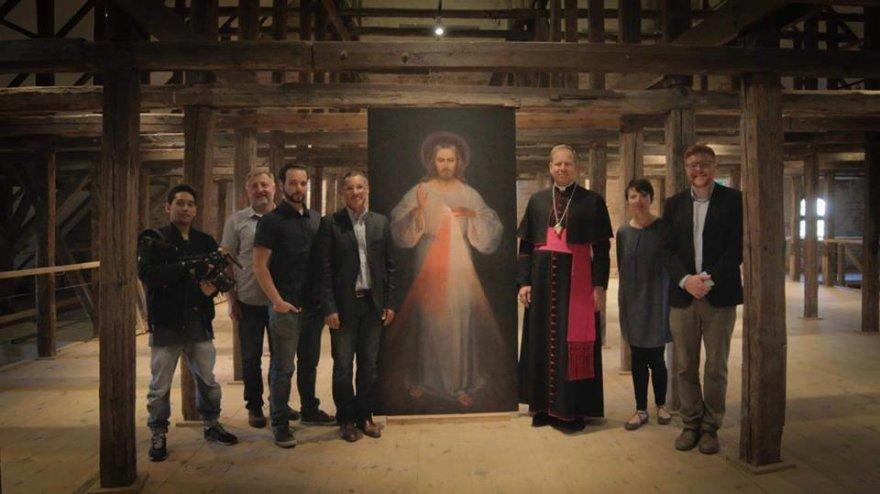 """Filmas """"Pirmasis Dievo gailestingumo paveikslas. Nežinomo šedevro negirdėta istorija"""""""