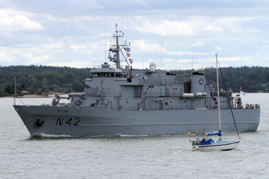 """Tarptautinėse pratybose """"Northern Coast 2014"""" Lietuvos karininko vadovaujami NATO laivai jūroje aptiko keturias minas"""