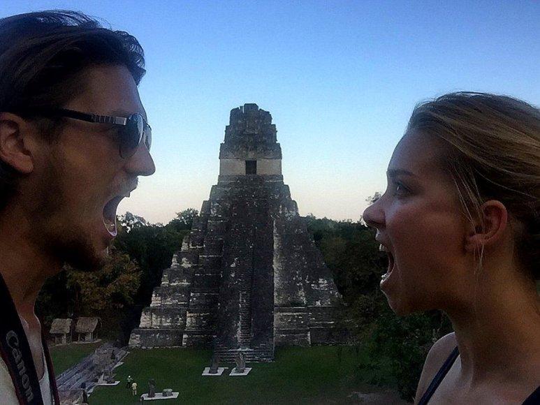 Prie Tikalio piramidžių