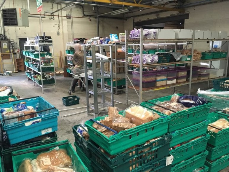 Prekybos centrų išmestų maisto produktų parduotuvė Anglijos Lydso mieste.