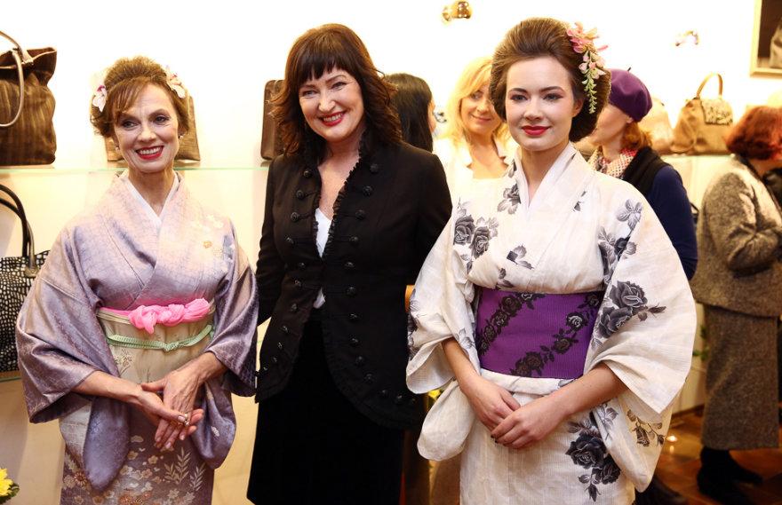 Virginija Kochanskytė (kairėje) ir Irena Serapinienė (centre)