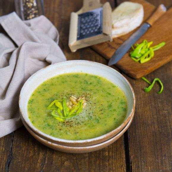 Porų ir lapinių kopūstų sriuba