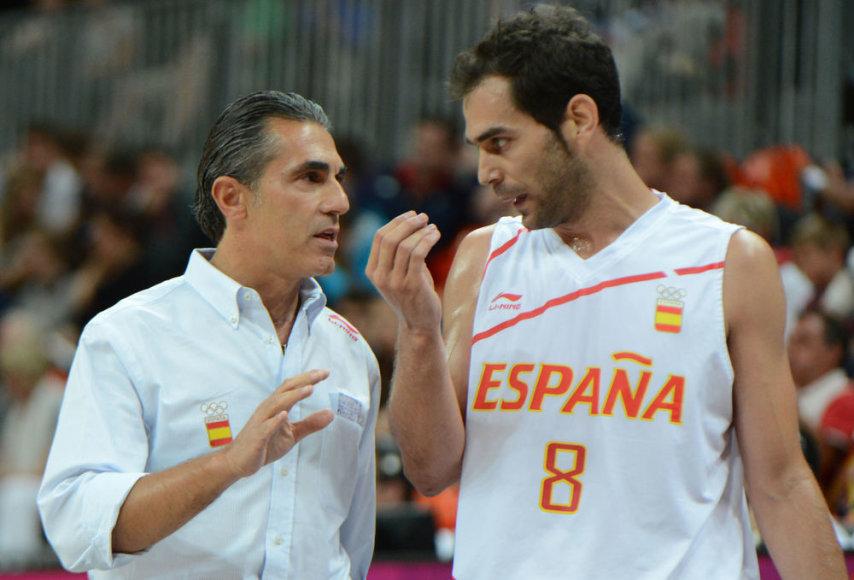 Ispanijos krepšinio rinktinės vyriausiasis treneris Sergio Scariolo ir įžaidėjas Jose Calderonas.