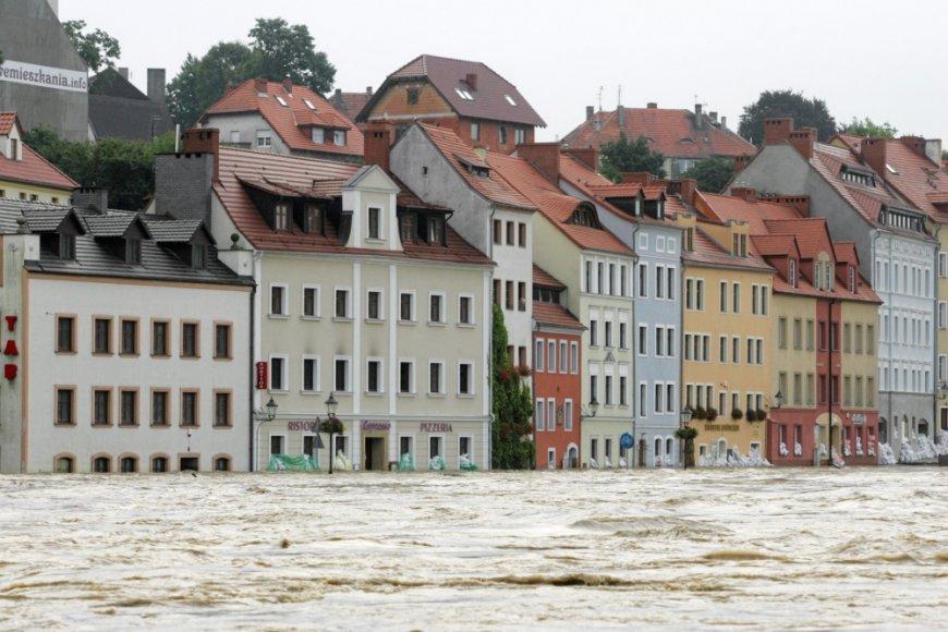 2010 metais Lenkiją užtvindę potvyniai nusinešė 25 žmonių gyvybes