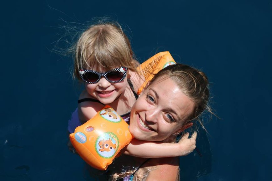 Milana Jašinskytė su dukrele