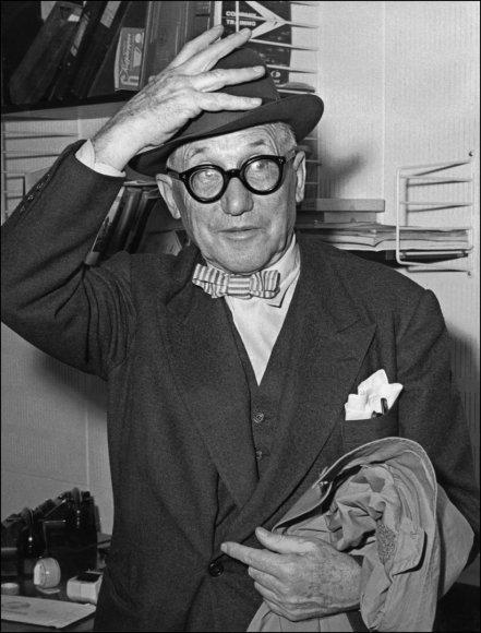 Charles'is-Edouard'as Jeanneret-Grisu, labiau žinomas savo pseudonimu Le Corbusier.