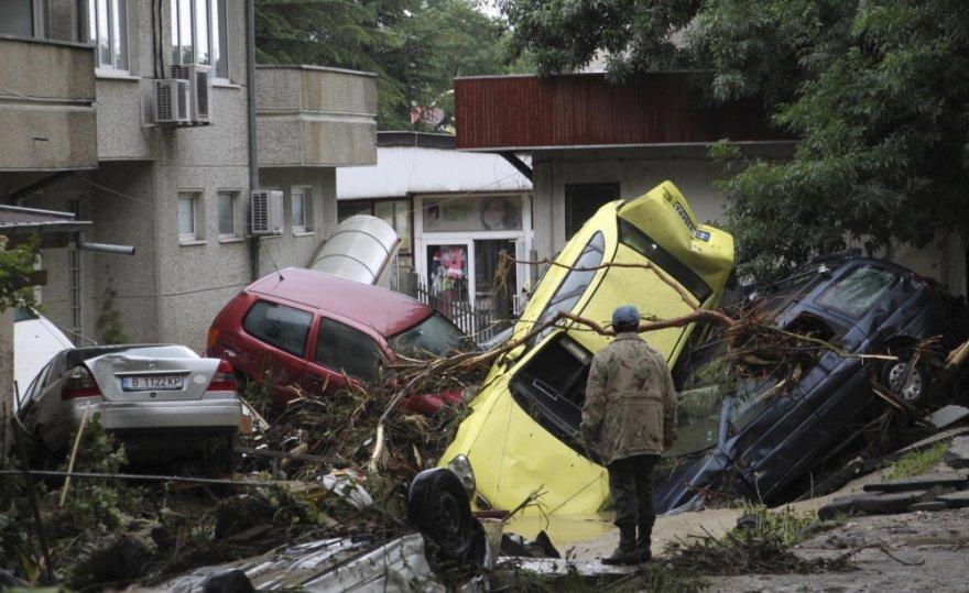 Liūčių sukelti potvyniai Varnoje