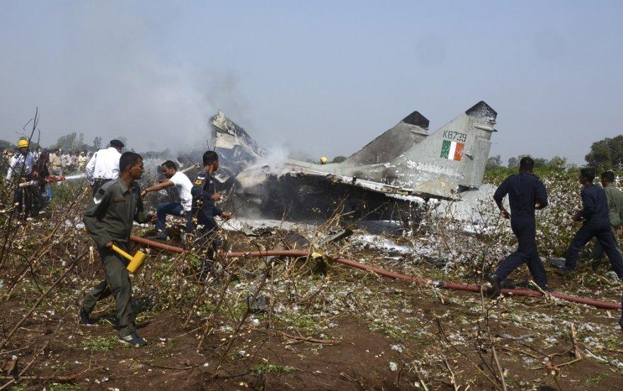 Sudužęs Indijos oro pajėgų MiG-29 naikintuvas