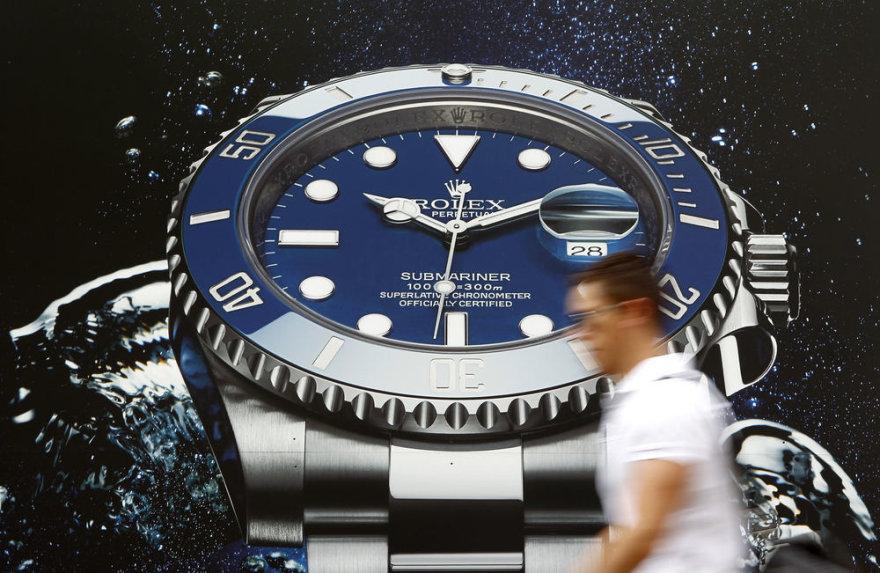 """Šveicariškų laikrodžių """"Rolex"""" reklama Ciuricho gatvėje"""
