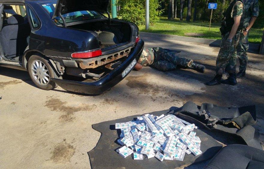 Kontrabandininko iš Baltarusijos melas paaiškėjo išardžius jo automobilį