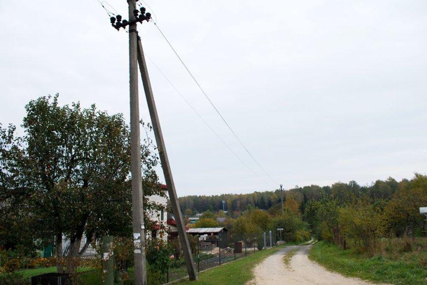 Tvora ties elektros laidais