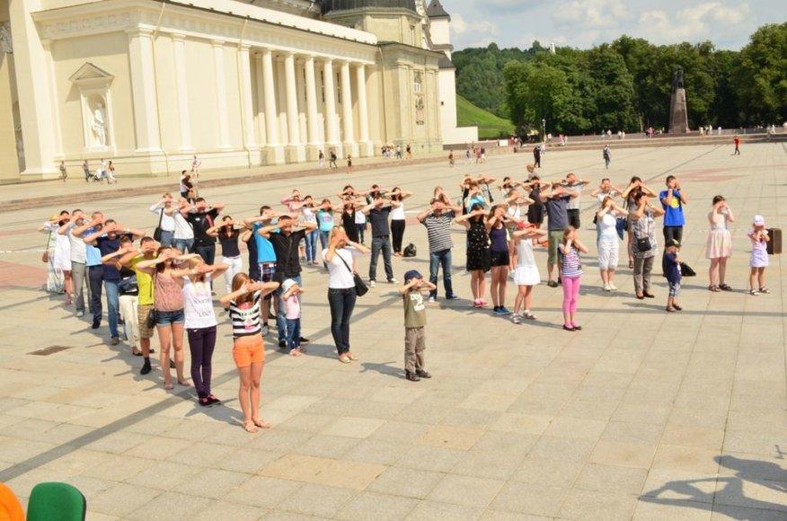 Minint Pasaulinę hepatito dieną Katedros aikštėje pasiektas Guinnesso rekordas