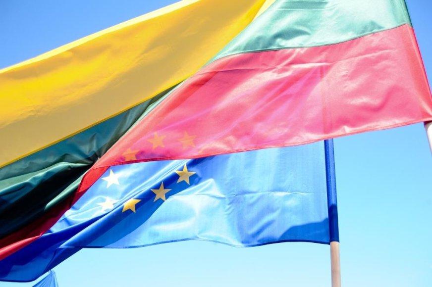 Lietuvos ir Europos Sąjungos vėliavos